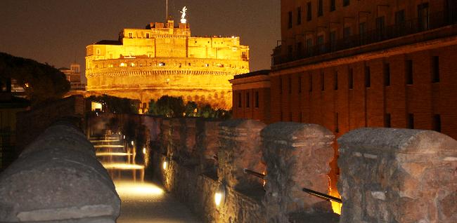 Castel Sant'Angelo: veduta del Passetto di Borgo che lo collega a San Pietro