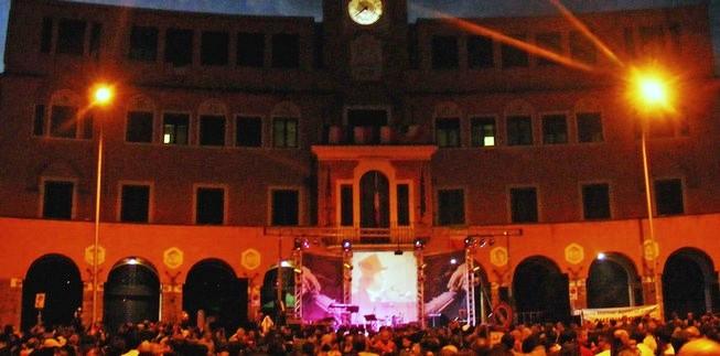 Il concerto in Piazza Sempione, quartiere Montesacro, Roma