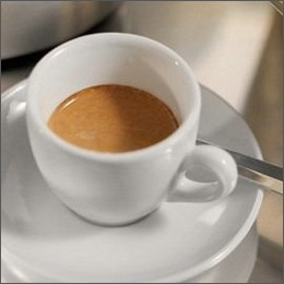 Caffè: l'espresso-mania non conosce crisi, tra business e nuove tendenze