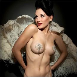 Burlesque: lo spettacolo della seduzione in un clic
