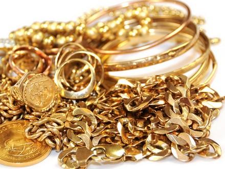 Compro oro, Aira: