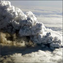 Islanda: il risveglio del vulcano, dalla Francia all'America traffico aereo in tilt