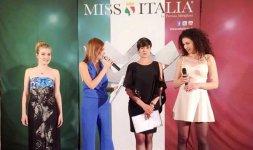 Da sinistra: Miss Cinema Lazio 2015 Enrica Sabatini, la modella e presentarice Margherita Praticò, Miss Italia 2015 Alice Sabatini, Miss Umbria 2015 Claudia Casciani - Photo ©Mario Gori