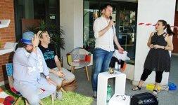 L'imprenditore Mauro Pulcinelli ringrazia il pubblico intervenuto alla prima edizione del Premio 'Battito Blu. Arte e Arte e spettacolo sotto il cielo della periferia' (Photo ©Adriano Di Benedetto)