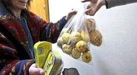 Vita e consumi simili al Dopoguerra, l'Italia sopravvive alla crisi vivendo alla giornata