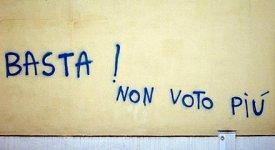 Distaccata e incapace di coinvolgere, quando la politica non unisce più gli italiani