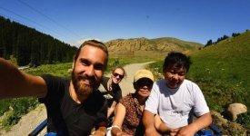Dall'Australia all'Asia a bordo di un pick-up. La storia di Angelo 24enne col pallino dell'avventura