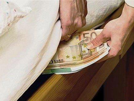 Boom di contanti e depositi bancari, ecco che fine hanno fatto i soldi degli italiani