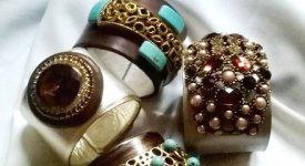 Perle, ambre, turchesi e coralli: colori e  suggestioni naturali nelle creazioni di Anna Tal�