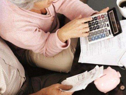 Pensioni: le donne sono la maggioranza, ma il loro assegno è più leggero. Ecco perché