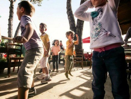 Vacanze e compiti di scuola: ecco 10 consigli antistress per i bambini