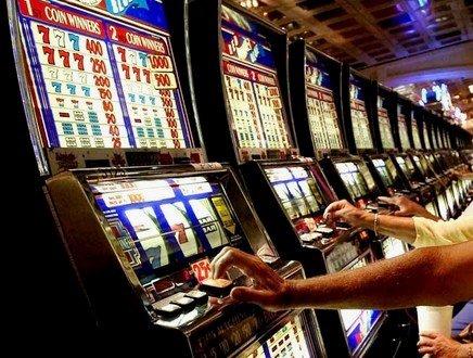 L'esercito delle slot nell'era del ludocapitalismo. Italia, una Repubblica fondata sull'azzardo