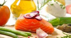 Agrumi, pesce, verdure a foglia e olio d'oliva: ecco come prevenire l'Ictus a tavola