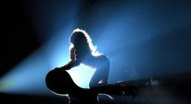 Energia e sensualità: Beyoncé travolge San Siro ed oscura il flop di Rihanna