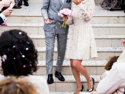 Sposa glamour, sposo dandy: così la tradizione si riscopre contemporanea