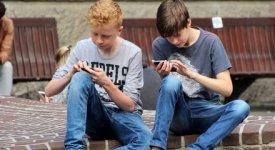 Giochi da naso all'ingù: è lo smartphone la nuova console di massa