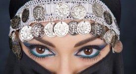 Make-up 'leciti' consentiti dal Corano: è boom globale di cosmetici 'Halal'