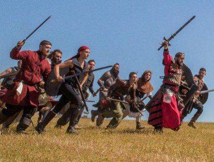 Draghi, dame e cavalieri: a Zoomairine si inaugura