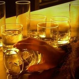Adolescenti e alcol: il primo bicchiere a 11 anni