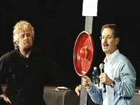 Le centrali a carbone e nanopolveri cancerogene nello spettacolo di Beppe Grillo \