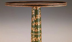 Manifattura toscana (attribuito), Tavolino, Inizi XIX secolo