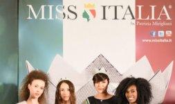 Da sinistra: Daniela Romagnoli (Miss Cinema), Silvia Pucci (Miss Colli Albani 2016), Alice Sabatini (Miss Italia 2015) e Francesca Stagnì (Miss Rocchetta) - Photo ©Valerio Tutto Flash Cosmi