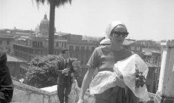 Ursula Andress a Trinità dei Monti nel 1965