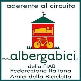 Cicloturismo: viaggiare pedalando ora è più facile con Albergabici