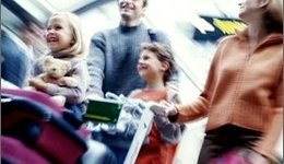 Bambini in viaggio: la loro sicurezza inizia dalla profilassi