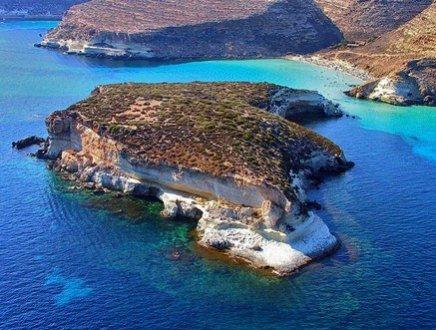 Lampedusa, da terra di confine a meta turistica in cerca di riscatto
