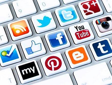 Social media manager, web designer, Seo: l'era dei 'proletari digitali'. Ma quanto si guadagna?