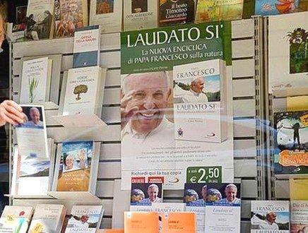 Religione, amore e manuali per concorsi: ecco i generi al timone del mercato librario nel 2016