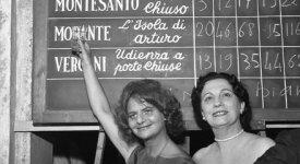 'Vita da Strega': gli anni d'oro del Premio letterario, negli scatti di Carlo Riccardi