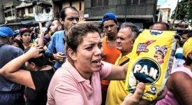 Venezuela: Maduro ammette la gravità della crisi e dice sì agli aiuti per un Paese nel baratro dell'Apocalisse