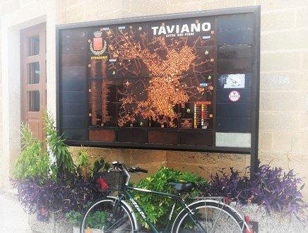 Puglia: l'X-Factor di Taviano? Fiori, figuli e pucce