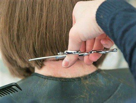 Parrucchieri e centri estetici pronti alla ripartenza. Ecco le linee guida di INAIL e ISS