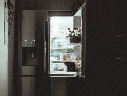 Se lo spreco alimentare parte dal frigo: ecco 5 consigli indispensabili per organizzarlo al meglio